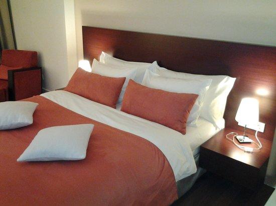 Worldhotel Saltanat Almaty: Кровать в номере