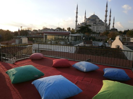 Angel's Home Hotel: view from the rooftop terrace of the Blue Mosque