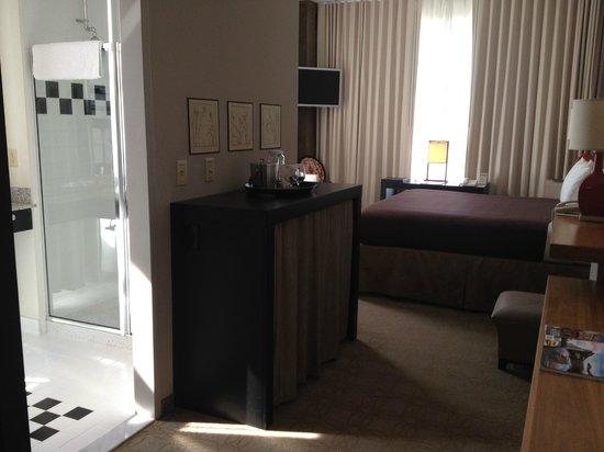 Proximity Hotel : Room layout