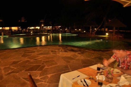 Neptune Palm Beach Boutique Resort & Spa : Piscine palm