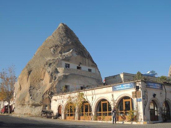 Cave Hotel Saksagan : hotel