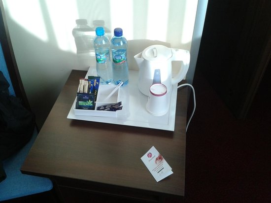 Hotel Focus Gdansk: Tea and coffee maker