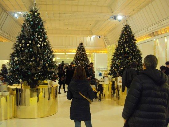 Le Bon Marché Rive Gauche: The christmas display