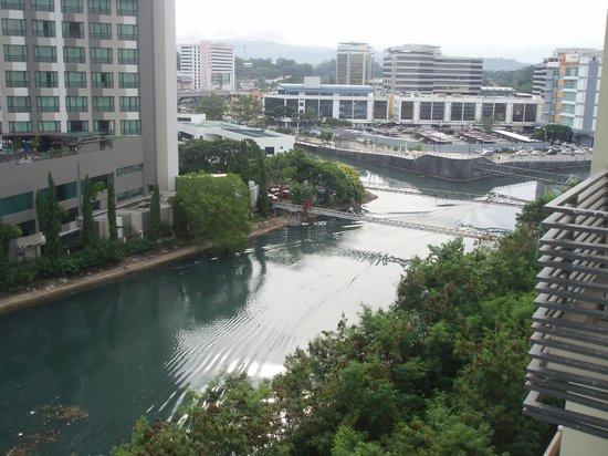 Ming Garden Hotel & Residences: Вид из окна номера