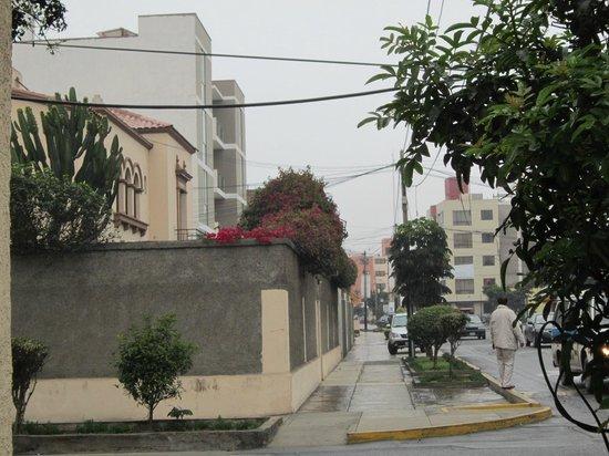 Mami Panchita: street view of hostal