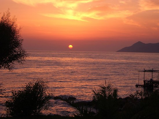 Liberty Hotels Lykia: Blick aufs Meer am Abend