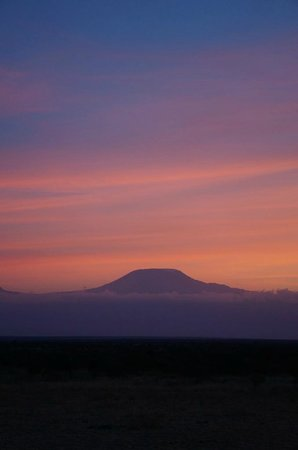 Gamewatchers Adventure Camp, Selenkay : Kilimanjaro viewed from Selenkay Conservancy