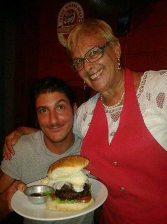 Chez Teresa: Il mega burger