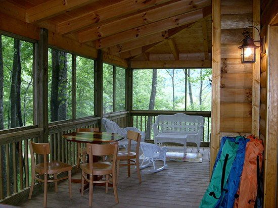 Randall Glen Resort : Newfound screened porch