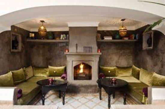 Dar Rocmarra: Courtyard comforts