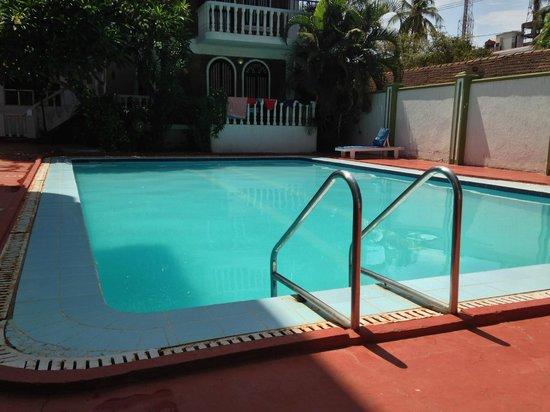 هوتل ميرا: Nice clean Pool