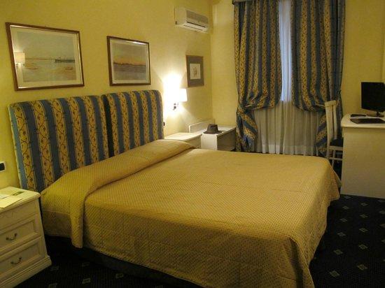 Hotel Napoleon : la chambre 114