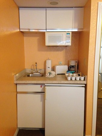 Legacy Vacation Resorts-Indian Shores: Studio kitchenette