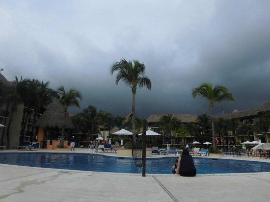 Catalonia Yucatan Beach: Bonita piscina