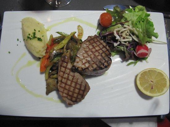 Au Bout Du Quai : Pavé de thon rouge grillé.