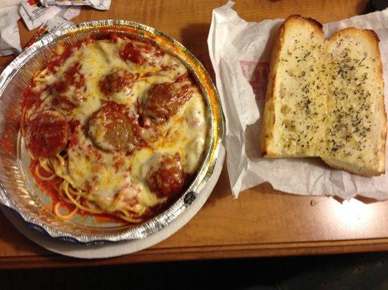 Pandora's Lunchbox: Spaghetti and garlic bread