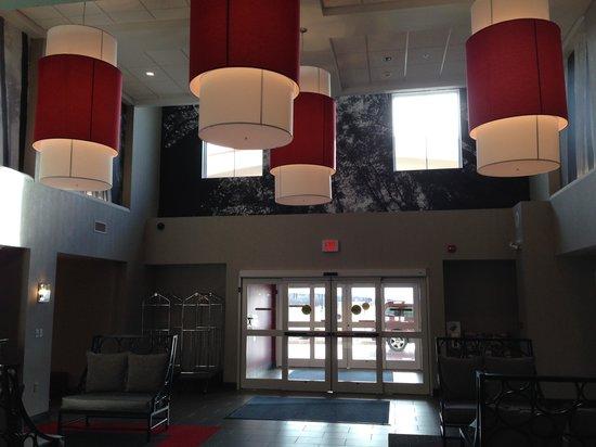 Holiday Inn Express Canandaigua - Finger Lakes: the Lobby