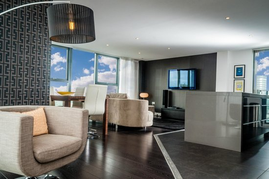 The Light ApartHotel Penthouse Suite Lounge : lighting in manchester - azcodes.com