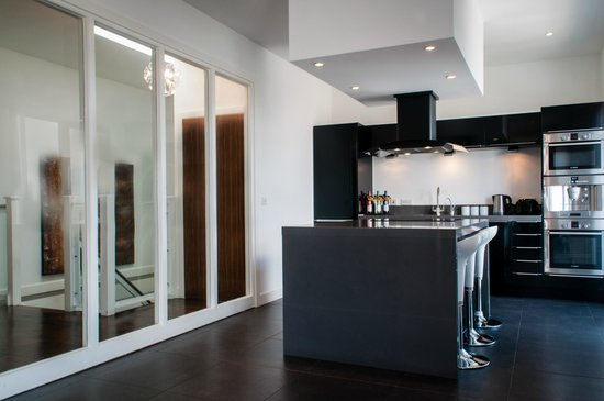 The Light ApartHotel: Duplex Three Bedroom Kitchen