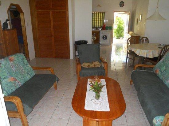 Le Relax St. Joseph Guest House : soggiorno appartamento grande