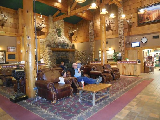 Best Western Plus Ruby's Inn: cozy lobby