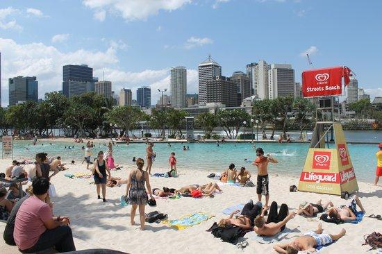 เซาธ์แบงค์ปาร์คแลนด์: Se você estiver com muita saudade de um banho de mar e aproveitar o sol, é um bom lugar. Agora,