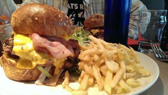 PlayOff Wagram : Burger, bon mais reste à un prix assez élevé.