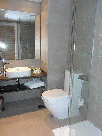 Hotel Exe Moncloa: Baño