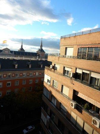 Hotel Exe Moncloa: Vistas a un costado (hab 910)