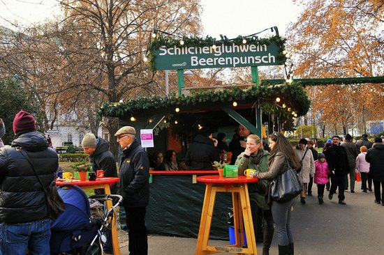 Karlsplatz: Marktstand