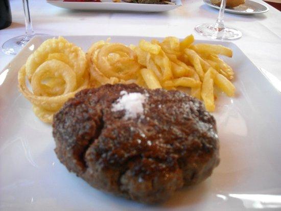 Restaurante Alcaravea: Gran hamburguesa de ternera