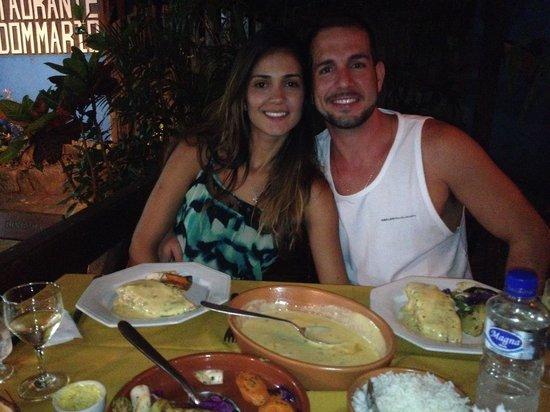 Dom Mario : Jantamos um salmão com molho de maracujá e legumes espetacular. Vinho branco acompanhando e serv