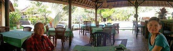 Medewi Bay Retreat: Restaurant dining