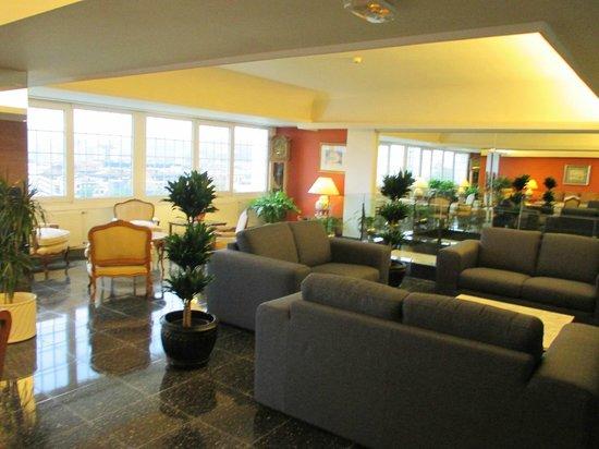 Hotel Avenida: Hall