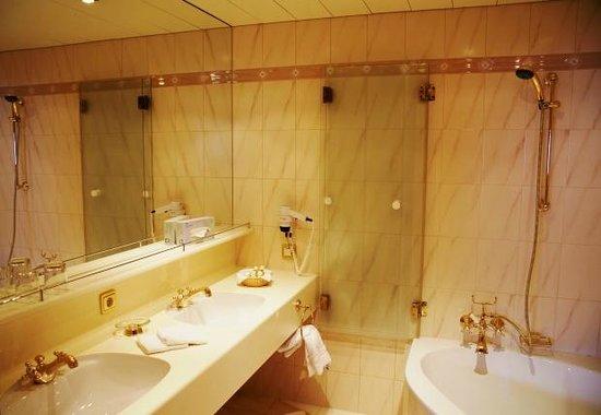 Hotel Kristberg: Bad