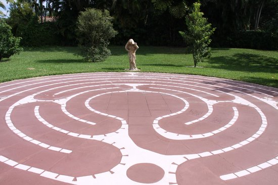 Hippocrates Health Institute: Labyrinth behind Oasis Spa