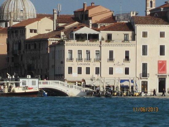 Hotel Locanda Vivaldi: Hotel from across St Mark's basin