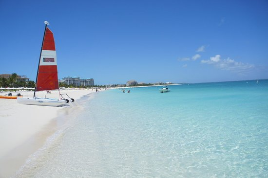 Grace Bay Club: And another view of the beautiful beach