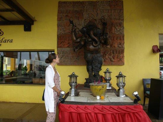 Woraburi Phuket Resort & Spa: Ганеш