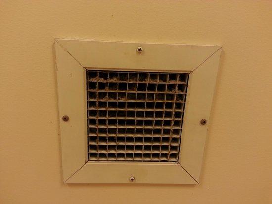 Hilton Madison Monona Terrace : Bathroom Fan