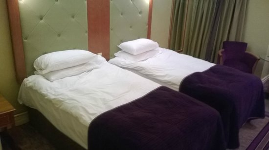 The Park Royal: Twin beds