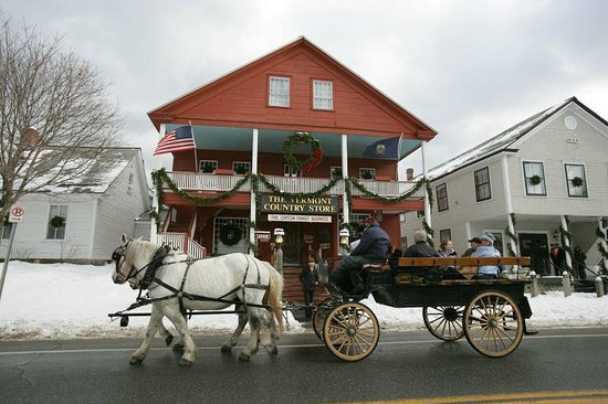 Vermont Country Store: horse and wagon