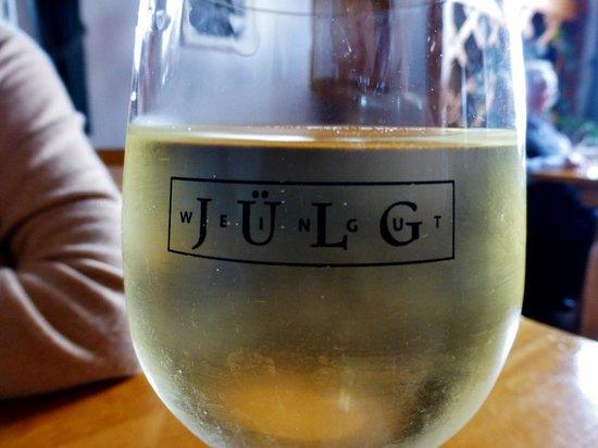 Weinstube Julg: Eigenbau-Weine