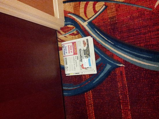 Seattle Marriott Waterfront: Sunday newspaper delivered to every room nice touch