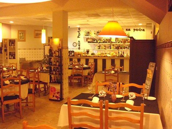 Restaurante Naco na Pedra: Inside restaurant