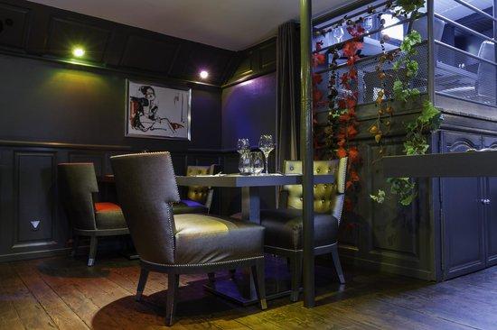 int rieur lounge photo de la peniche verdun tripadvisor. Black Bedroom Furniture Sets. Home Design Ideas