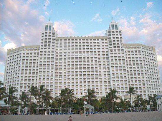 Hotel Riu Emerald Bay : Hotel