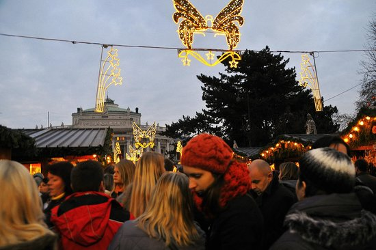 Rathausplatz: Der Adventmarkt
