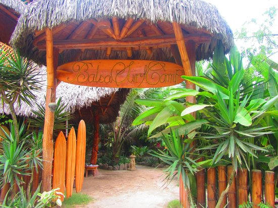 Balsa Surf Camp: our entrance