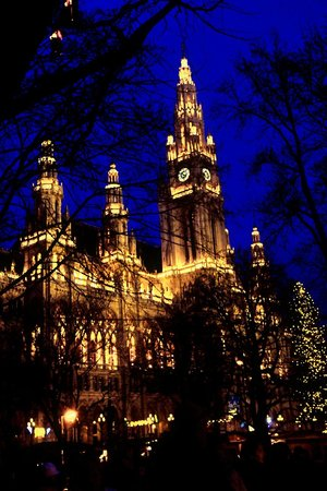 Rathausplatz: Das Rathaus